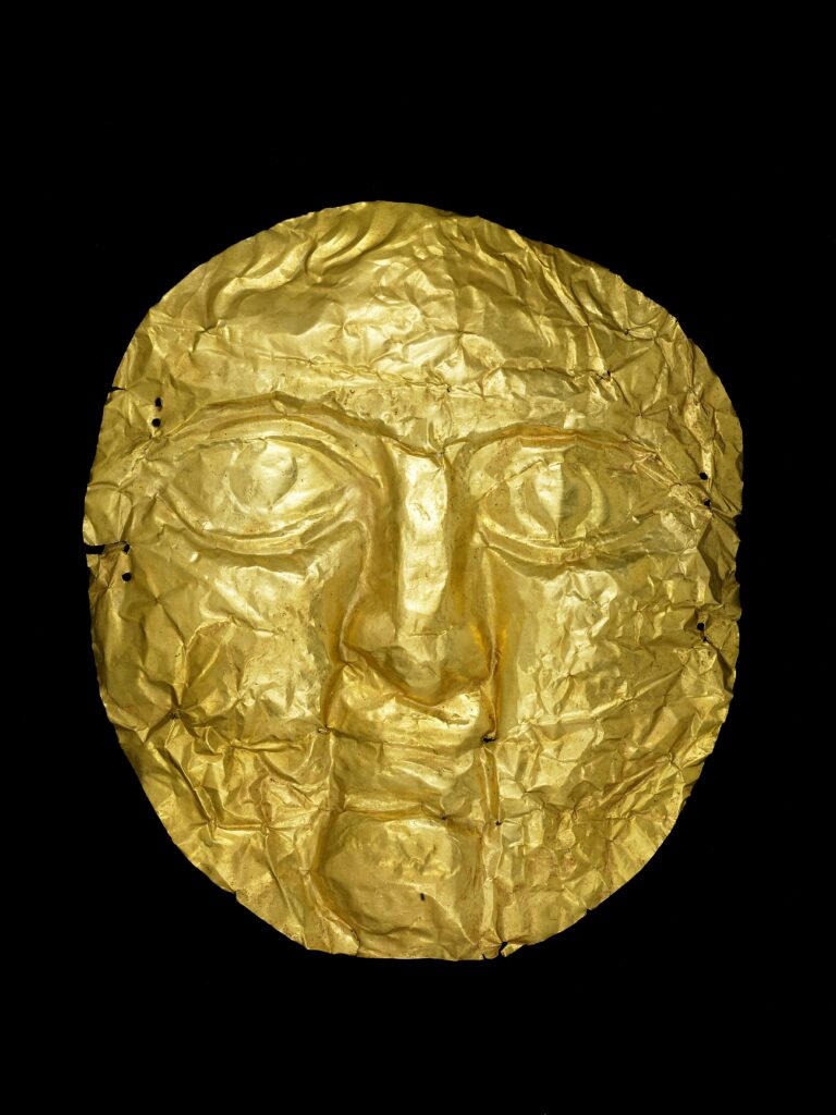 Máscara de la muerte. Jerusalén. Período romano, siglo I-II d.C. Oro. © The Trustees of the British Museum (2020).