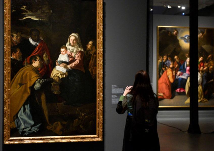 """Vista de la exposición """"Velázquez y el Siglo de Oro"""" en CaixaForum Barcelona"""