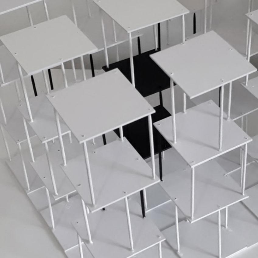 Robert Ferrer. Estructura doméstica