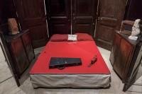 Louise Bourgeois. Habitación Roja (Padres) [Red Room (Parents)], 1994 (detalle)
