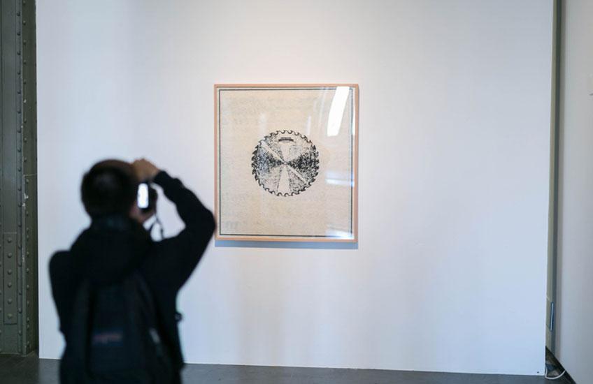 """Vista de la exposición """"El calor derrite los estilos"""" en CentroCentro. Palacio de Cibeles. Fotografía: Lukasz Michalak"""