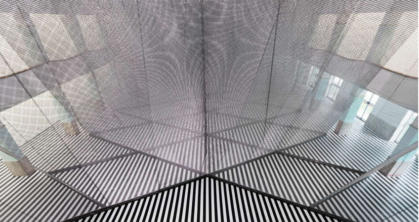 """Daniel Buren & Anish Kapoor"" en la Galleria Continua"