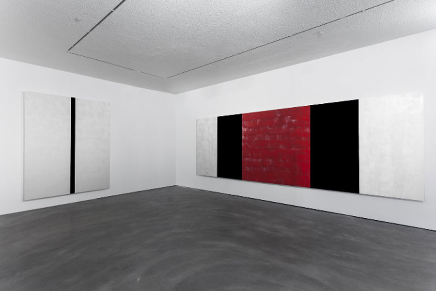 Mary Corse en la Pace Gallery de Hong Kong. Fotografía: Boogi Wang