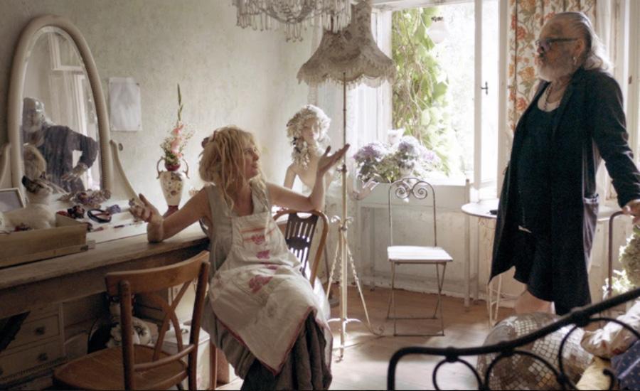 Annekatrin Helen. Beauty & Decay, 2019