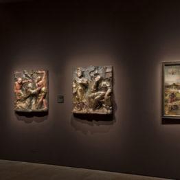 """Vista de la exposición """"El diablo, tal vez. El mundo de los Bruegel"""" en el Museo Nacional de Escultura"""