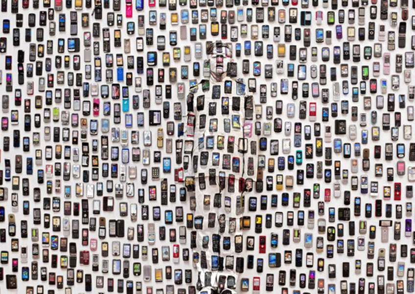 Liu Bolin, Mobile Phones, de la série « Hiding in the City », 2012 © Liu Bolin / Courtesy Galerie Paris-Beijin