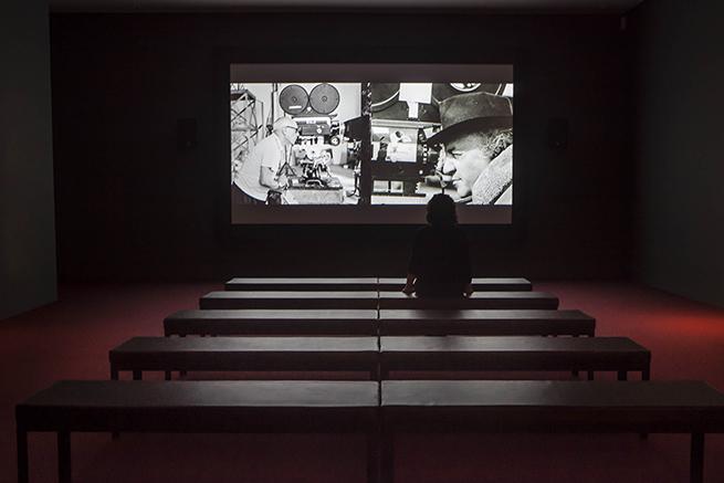 Sala de cine creada especialmente para esta exposición © Museo Picasso Málaga