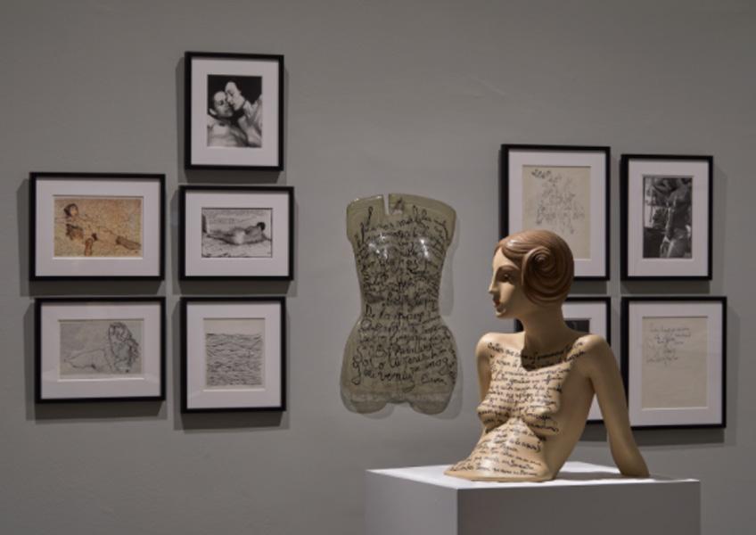 """Vista de """"La bondadosa crueldad. León Ferrari, 100 años"""". Museo Reina Sofía"""