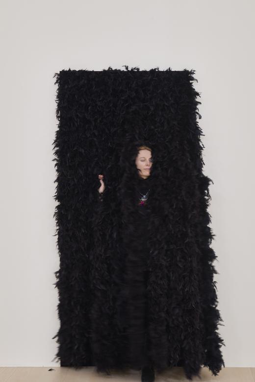 Esther Ferrer. Entrada a una exposición, 1990-2018. Fotografía: Erika Ede