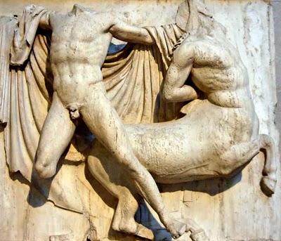 Fidias: obras fundamentales del enigmático escultor de la Acrópolis. Relieve de las metopas del Partenón