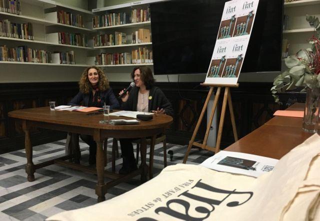 Presentación de la Fira d'Art con concejala de Cultura, Tradicions i Festes, Rosa Tubau, y comisaria Maribel Navarro