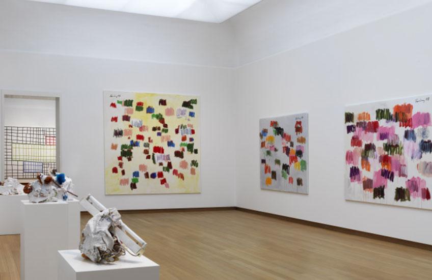 "Vista de ""Günther Forg. A Fragile Beauty"" en el Stedelijk Museum"