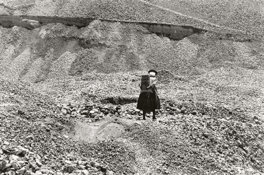 Paolo Gasparini. La mina de piedras , Bolivia, 1971. Colecciones Fundación MAPFRE © Paolo Gasparini
