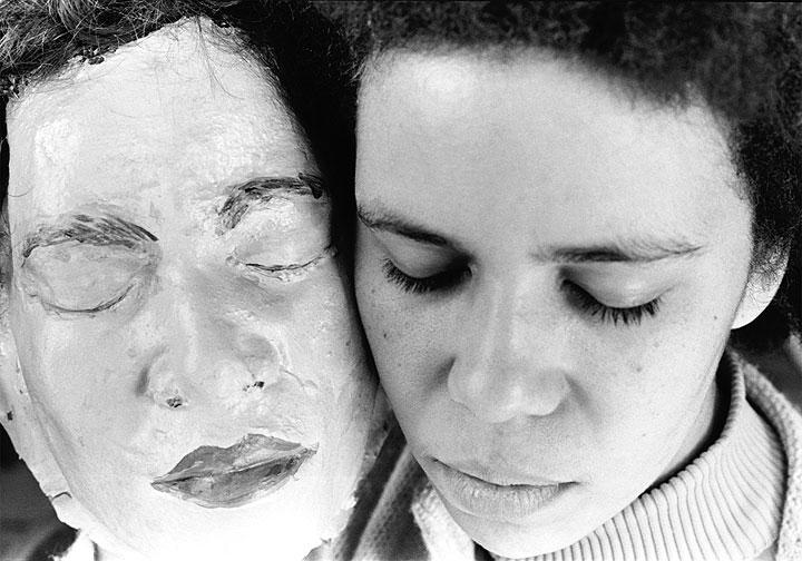 Marisa González. La mulata y sus máscaras, 1975