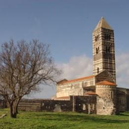 Basílica de la Santísima Trinidad de Saccargia (Italia)