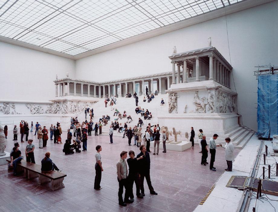 Thomas Struth. Museo de Pérgamo 1, Berlín 2001. © Thomas Struth
