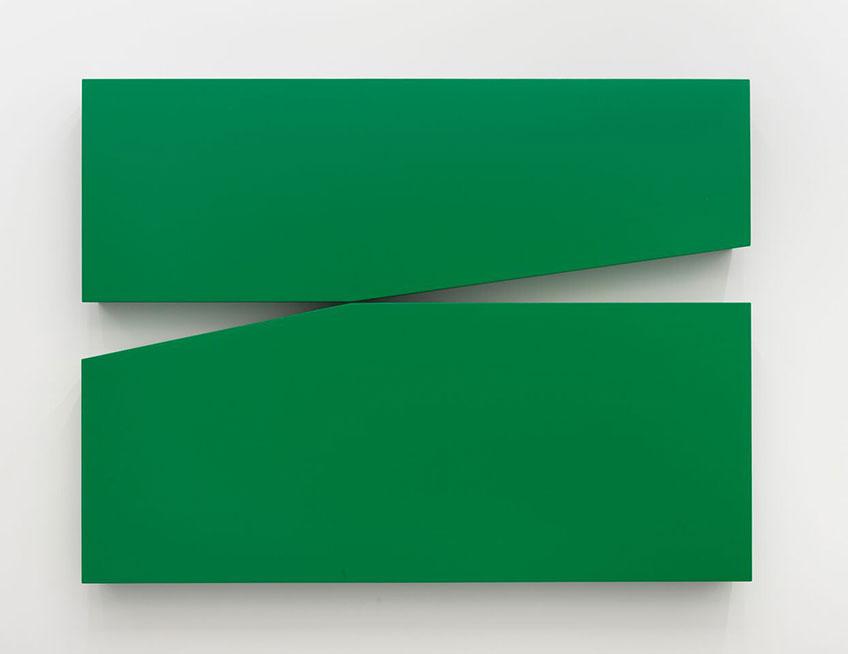 Carmen Herrera. Untitled Estructura (Green), 1966 - 2015. Cortesía de la artista y del Centro de Artes Visuales Fundación Helga de Alvear Cáceres