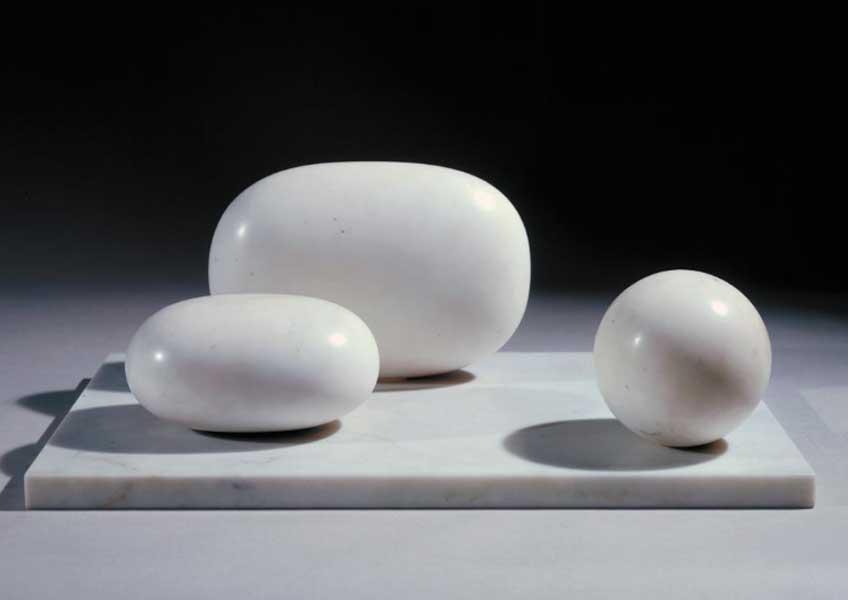 Barbara Hepworth. Three forms, 1935