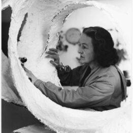 Barbara Hepworth, un viaje abstracto