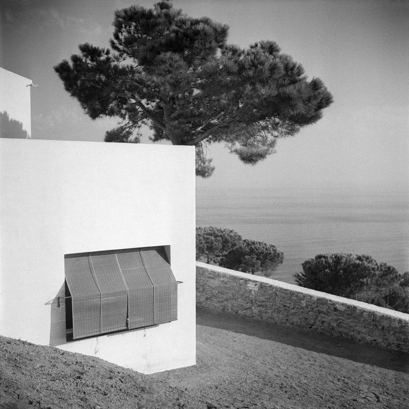 F. Català-Roca. Casa Ugalde, en Caldes d'Estrac, 1952. © Fondo F. Català-Roca - Arxiu Històric del Col·legi d'Arquitectes de Catalunya