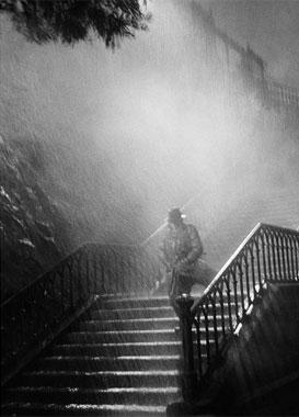 René-Jacques. L'homme de la nuit, sur le tournage du film Remorques de Jean Grémillon, 1939. © ministère de la Culture / Médiathèque de l'architecture et du patrimoine /Donation René-Jacques