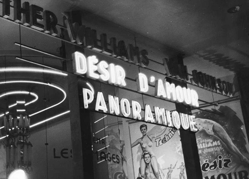 René-Jacques. Cinéma à Pigalle. París, 1953. © ministère de la Culture / Médiathèque de l'architecture et du patrimoine / Donation René-Jacques