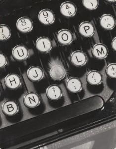 François Kollar. Publicidad para la máquina de escribir Hermès, 1930