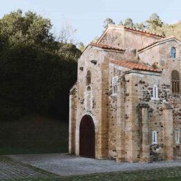 Finaliza la restauración de las pinturas murales de San Miguel de Lillo