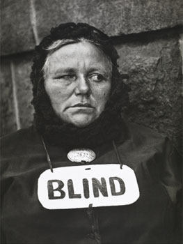 Paul Strand. Blind Woman, New York, 1916. Colecciones FUNDACIÓN MAPFRE © Aperture Foundation Inc., Paul Strand Archive