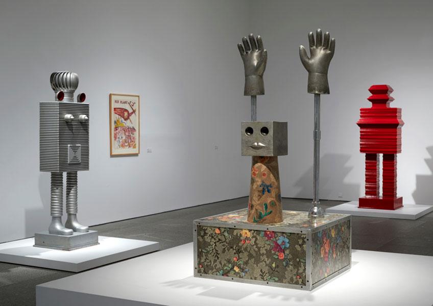 """Vista de sala de """"H.C. Westermann. Volver a casa"""" en el Museo Reina Sofía"""