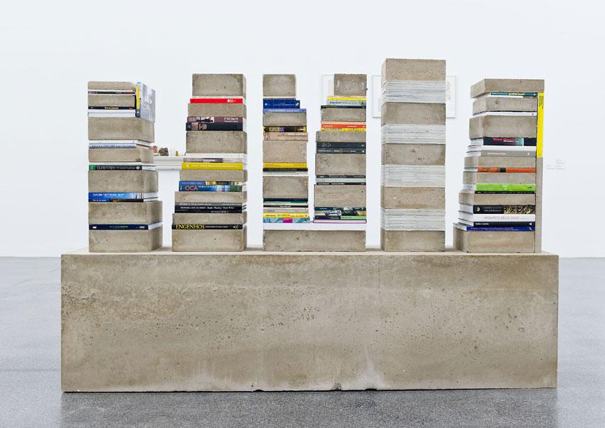 Carlos Garaicoa. De cómo mi biblioteca se alimenta de una realidad concreta, 2006. VEGAP, Madrid 2019