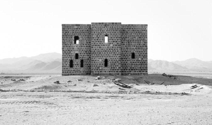 Ursula Schulz-Dornburg, From Medina to Jordan Border, 2003