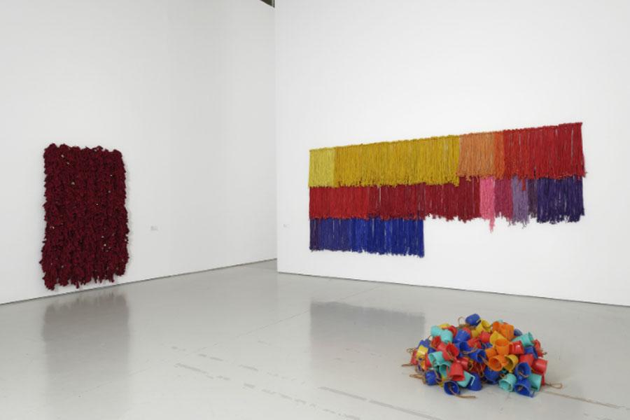 """Vista de la exposición """"I am the single work artist"""" en el Musée d´ Art Moderne et Contemporain de Saint-Étienne Métropole"""