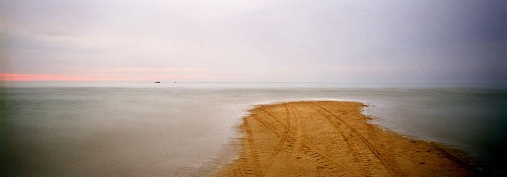 Eduardo Nave. . Normandie: les rivages du débarquement © Eduardo Nave , VEGAP, Madrid, 2019