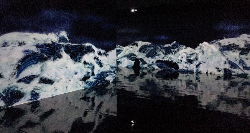 teamLab. Black Waves: Lost, Immersed and Reborn, 2019. Fundación Telefónica