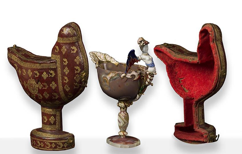Estuche para copa abarquillada de ágata con sirena alada París, 1690-1711 Madrid, Museo Nacional del Prado