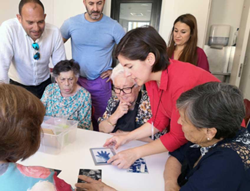 Laboratorio de arte contra el olvido en el Museo Picasso Malaga. Experiencias artísticas vinculadas al deterioro cognitivo