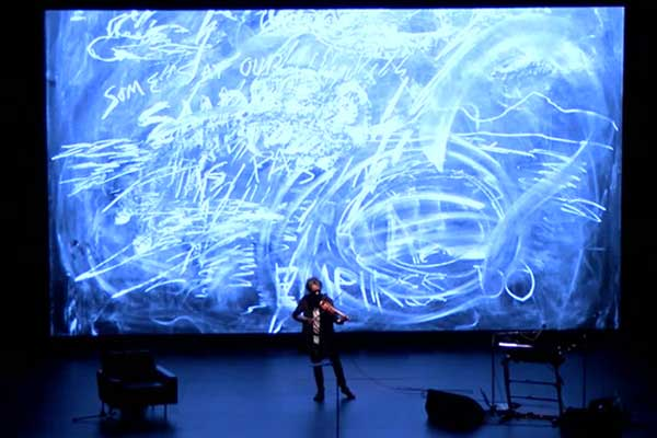 Laurie Anderson: All the Things I Lost in the Flood. Performance en el Museo Reina Sofía