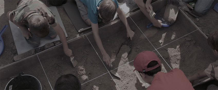 Arqueólogos por un día en Complutum. Actividad organizada por la Comunidad de Madrid a lo largo del verano