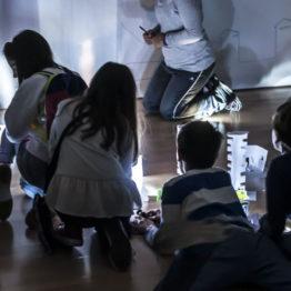 La luz refleja mi cara. Talleres infantiles en torno al arte contemporáneo cubano en el DA2