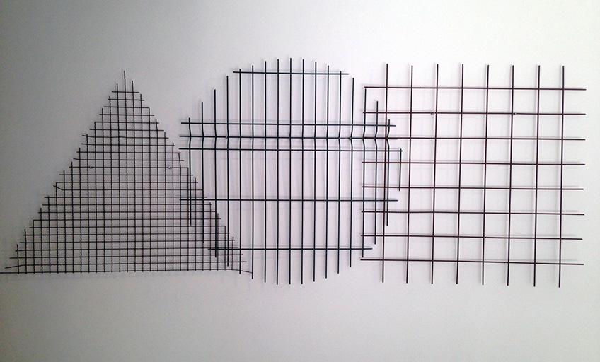 r_marco_godMarco Godoy. Ejercicios de geometría (abriendo ventanas). Valla, acero, 2017. Sala de Arte Joven de la Comunidad de Madrid