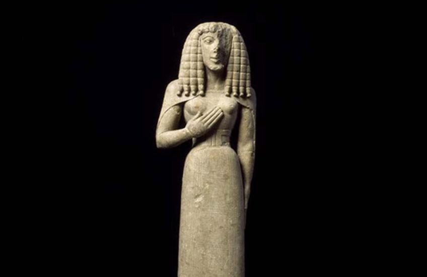 Dama de Auxerre, s. VII a.C. Museo del Louvre