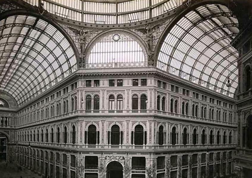 Emanuele Rocco. Galería de Umberto I, Nápoles, 1885-1892