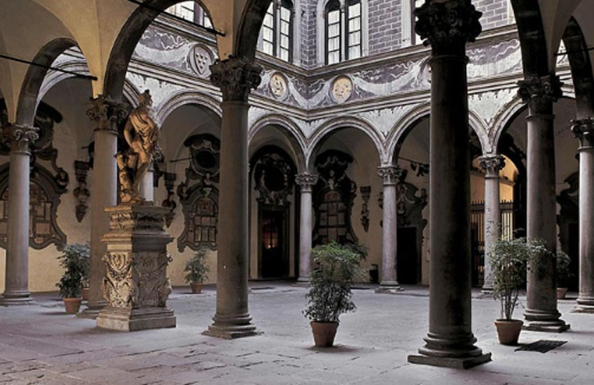 Michelozzo. Patio del Palazzo Médici Riccardi, 1444-1459