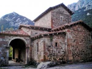 Santa María de Lebeña. Exterior