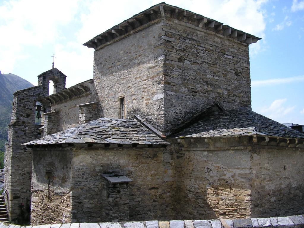Santiago de Peñalba. Exterior