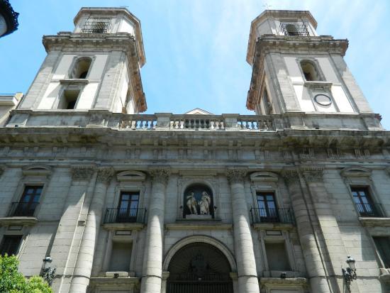 Iglesia de San Isidro. Portada