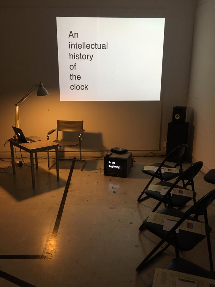 An Intellectual History of the Clock. Conferencia performativa. Malongen - NKF, Estocolmo, 2016, en el marco de CuratorLab, Konstfack University. Foto: © Joanna Warsza
