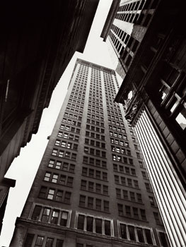 Berenice Abbott. Cañón: Broadway y Exchange Place, 1936. The Miriam and Ira D. Wallach Division of Art, Prints and Photographs, Photography Collection. The New York Public Library, Astor, Lenox and Tilden Foundations © Getty Images/Berenice Abbott