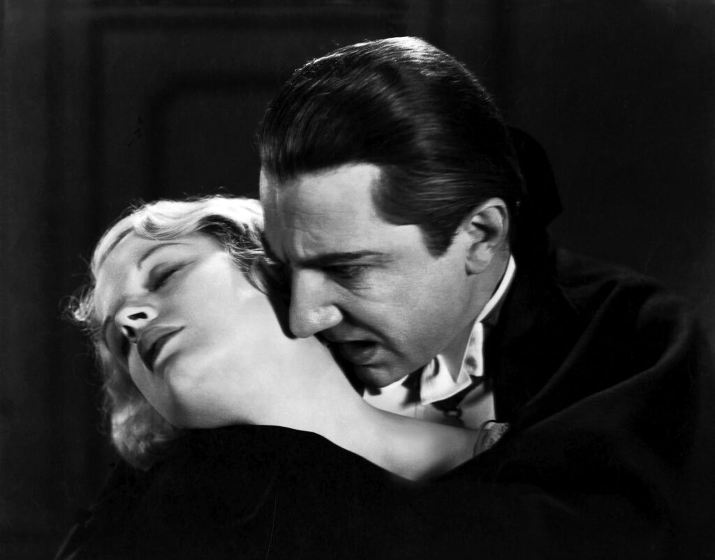 DraculaBéla Lugosi y Helen Chandler en Drácula de Tod Browning, 1931. Universal Pictures/WolfTracerArchive/Photo12/ agefotostock.